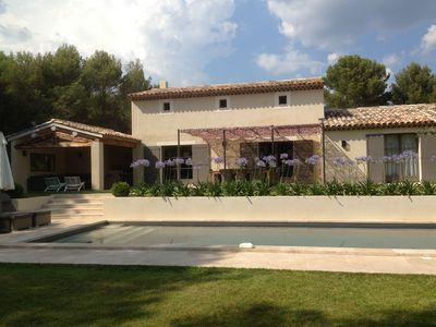 Photo for Beautiful  Provencal country house with heated pool in Lourmarin, Luberon