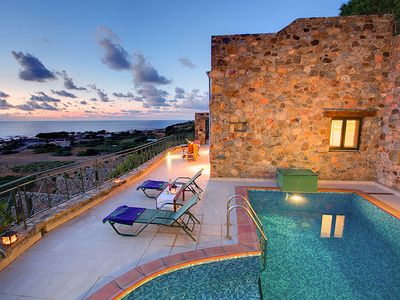 Photo for One bedroom Villa, sleeps 2 in Livadia with Pool, Air Con and WiFi
