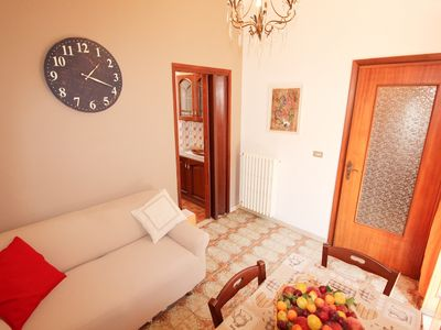 Photo for Apartment BETWEEN VINEYARDS AND OLIVES, relaxation and wellness 20 minutes from the sea