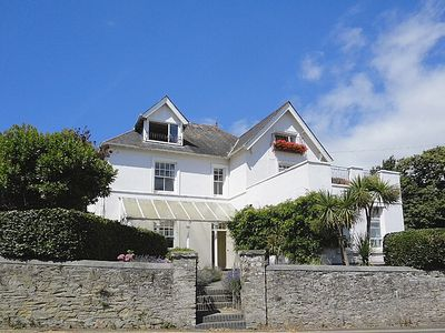 Photo for Spacious Holiday Home With Pretty & Safe Garden, 5 Mins Walk To Salcombe Centre
