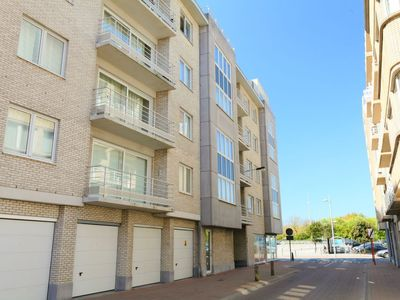 Photo for Apartment Residentie Havenhuys I in Bredene - 2 persons, 1 bedrooms