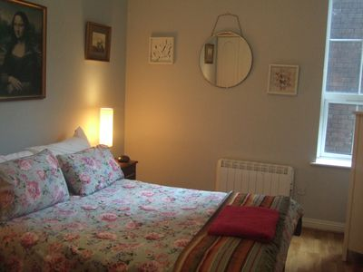 Photo for FANTASTIC CITY CENTRE APARTMENT WITH WIFI and LAUNDRY 5 MINS O CONNELL ST