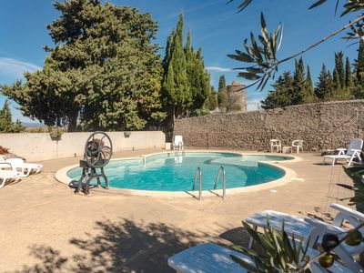 Photo for Cottage 6 persons between Narbonne and Carcassonne nice views and large pool