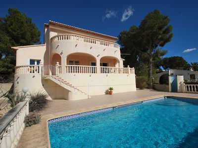 Photo for Holiday home in quiet area, private pool, air-condition, sea-view
