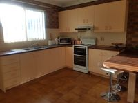 Clean, well equipped, good location, quiet and property owner happy to please