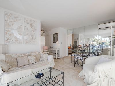 Photo for Beautiful 3 rooms with terrace near the Croisette