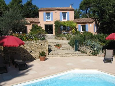 Photo for Facing the Mont Ventoux villa with terrace, garden and heated swimming classified 4 *