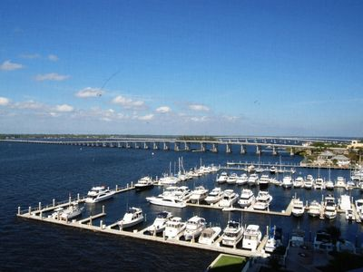 Photo for Luxury Waterfront High Rise Condo w/Spectacular Views at High Point Place