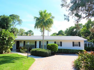 Photo for Beautiful 3 BED / 2 BATH Home with a HUGE backyard and POOL in Jensen Beach!