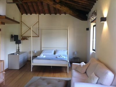 Photo for Luxurious holiday apartment for 4 people, pool, near Lucca