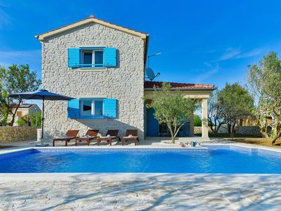 Photo for Beautiful stone villa with pool, 700 meters from the sandy beach