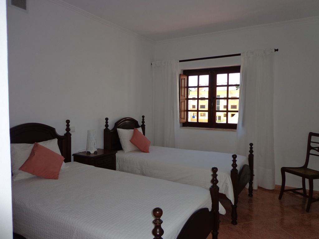 2 Bedroom Apartment With Internet 600 Meters From The Beach Vila