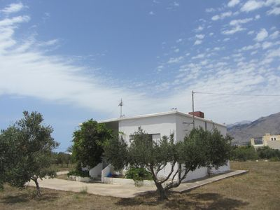 Photo for Quiet holiday house, 150 m to the sandy beach