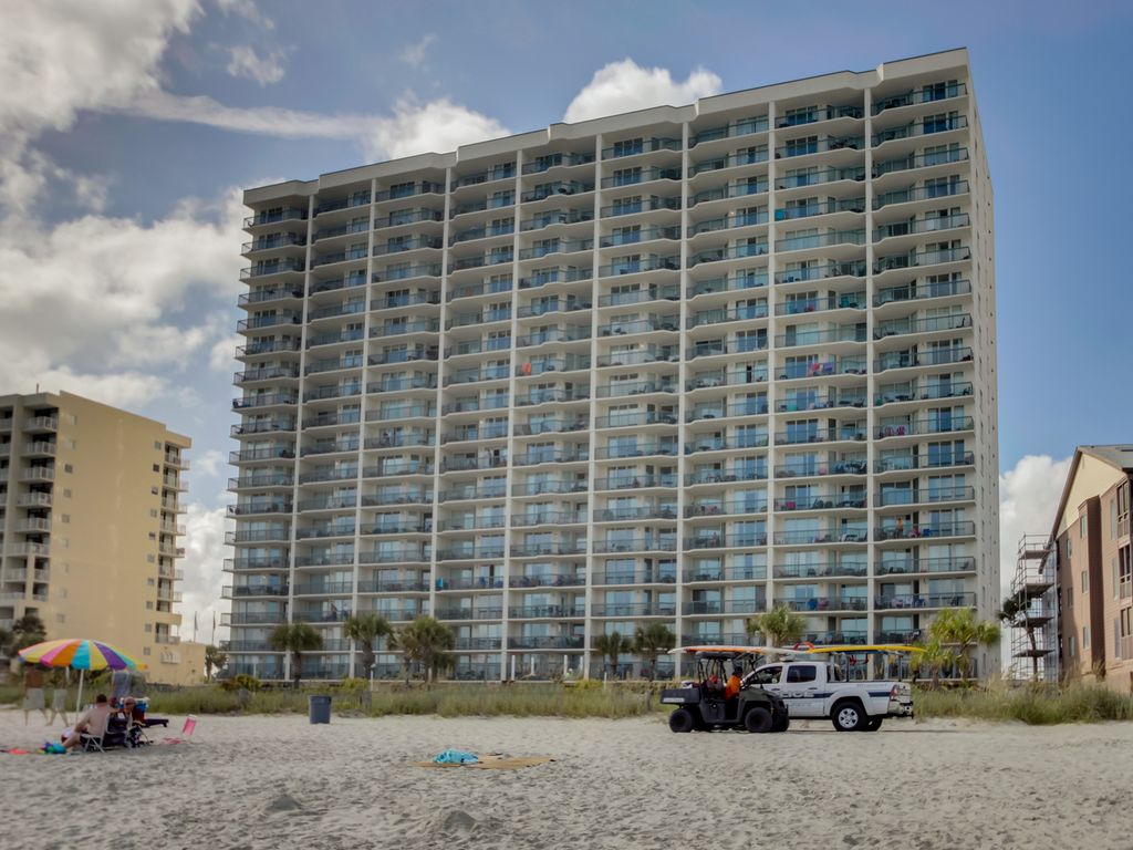 Spacious 2 Bedroom Oceanfront Condo With Great Pool