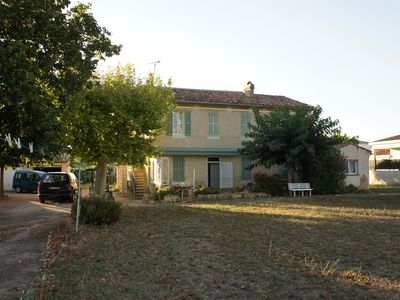 Photo for Furnished apartment type 4 on the floor of a renovated Provencal bastide