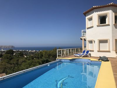 Photo for Quiet house with panoramic sea, mountain and Javea views.