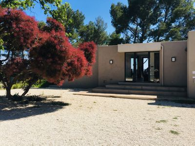 Photo for Architect house in the countryside 10 minutes from the center of Aix-en-Provence.