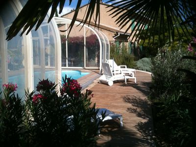 Photo for Bastide overlooking the Luberon and shelter on salt pool 10/11 pers 1120/2100 € / week