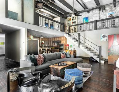 ❤️ of Downtown- 2 BR Walk to Everything! Penthouse Loft- Printers Alley Lofts