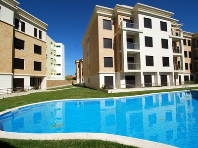 Photo for Cherry - Charming 1 bedroom apartment in complex with pool in São Martinho