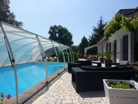 Wonderful private place that is ideal for a crowd of friends and family.