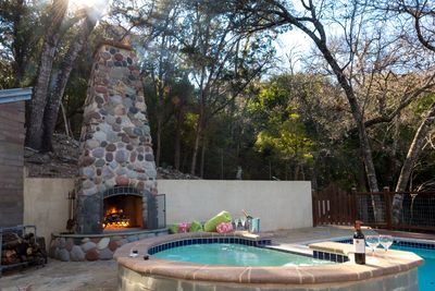 """Private fireplace and spa/hot tub (add a spa/hot tub package and """"customize!)"""