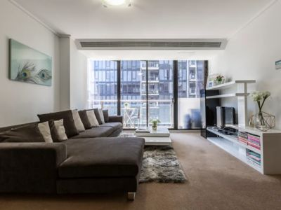 Photo for Modern 2-Bedroom @ Southbank & Crown Casino *FREE PARKING + WIFI*