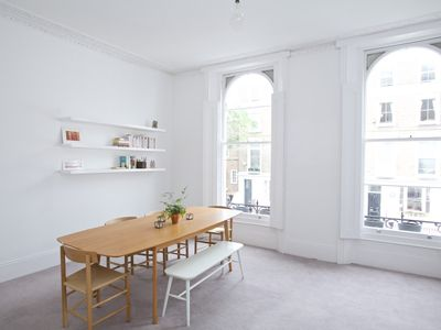 Photo for Oakley Street - Two Bedroom Apartment, Sleeps 4