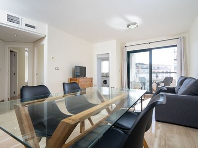 Photo for Cosy apartment for 4 guests with A/C, pool, TV, balcony and parking