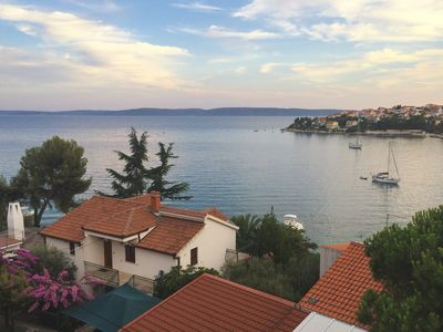 Photo for Spacious apartment in a single family home, near Trogir