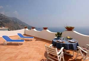 Photo for One bedroom Apartment, sleeps 2 in Praiano with Air Con and WiFi
