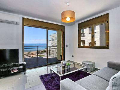 Photo for Apartment with nice view, parking and  pool