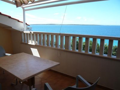 Photo for Two bedroom apartment near beach Mandre, Pag (A-6518-d)