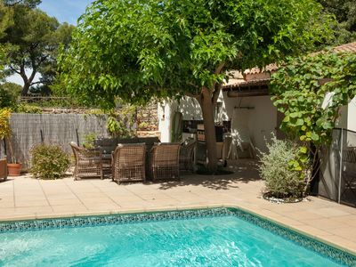 Photo for Charming cottage in Provence, private pool and garden