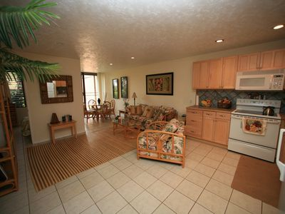 Photo for Ground floor, golf view, easy walk to pool/beach; monthly rental (30 day min)