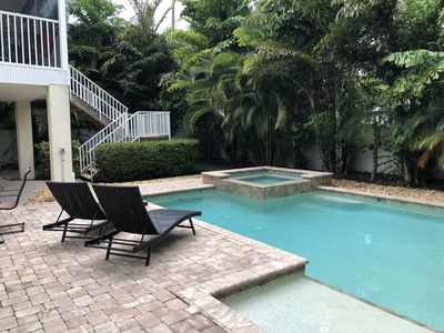 Private House, pool and spa. Close to Holmes Beach restaurants, shops & marina.