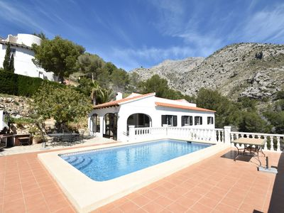 Photo for Comfortable house in the woods with beautiful views and a private swimming pool