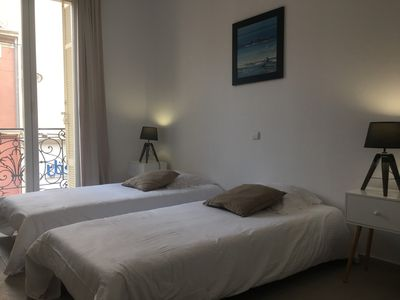 Photo for Beautiful 2 bedroom, 50 m to the beach, 5 minutes to the train station