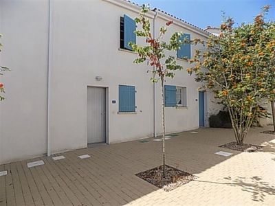 Photo for Villa Vaux-sur-Mer, 2 bedrooms, 4 persons