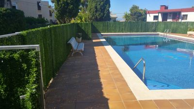 Photo for Sunny Apartment in Salou Quiet Area for 8 people, terrace and outdoor pool