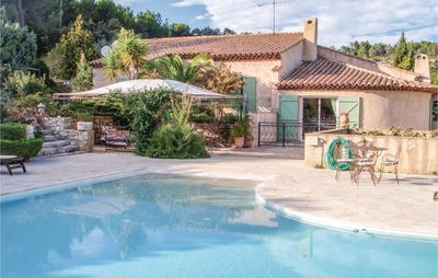 Photo for 3 bedroom accommodation in Sollies Toucas