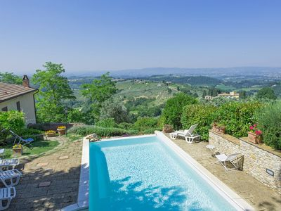 Photo for Apartment with pool, WIFI, A/C, pets allowed, panoramic view, parking, close to Greve In Chianti