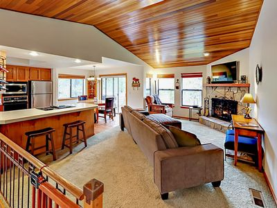 Photo for 3BR w/ Private Hot Tub & Passes to Aquatic Park -- Walk to Deschutes River