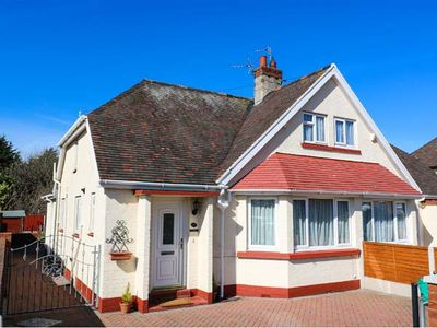 Photo for DUNROMIN, pet friendly, with a garden in Llandudno, Ref 904604