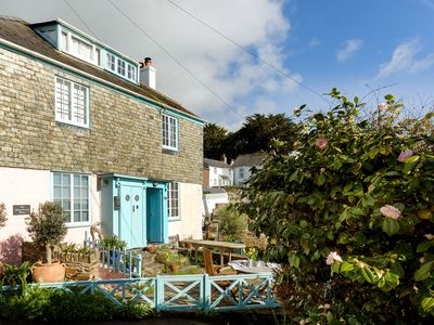Photo for Little Hill -  a cottage that sleeps 4 guests  in 2 bedrooms