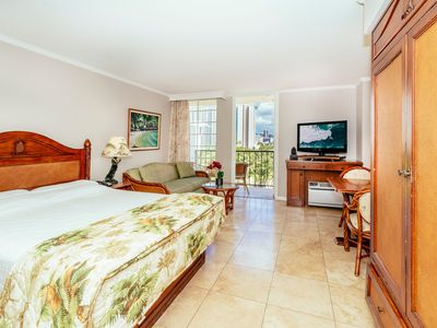 Photo for Newly Refreshed Condo W/City & Mountain Views + Hotel Amenities at the Luana
