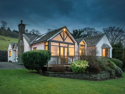 Photo for Luxurious Holiday Home at Waterhead with Garden