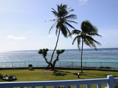 Photo for Sainte-Anne, apartment facing the sea, direct access to the beach