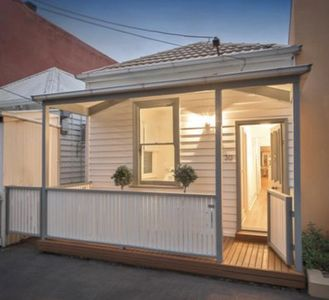 Photo for Pretty light-filled house in Port Melbourne - PRIME LOCATION!