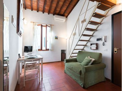 Photo for Authentic Florentine loft between Duomo and Santa Croce